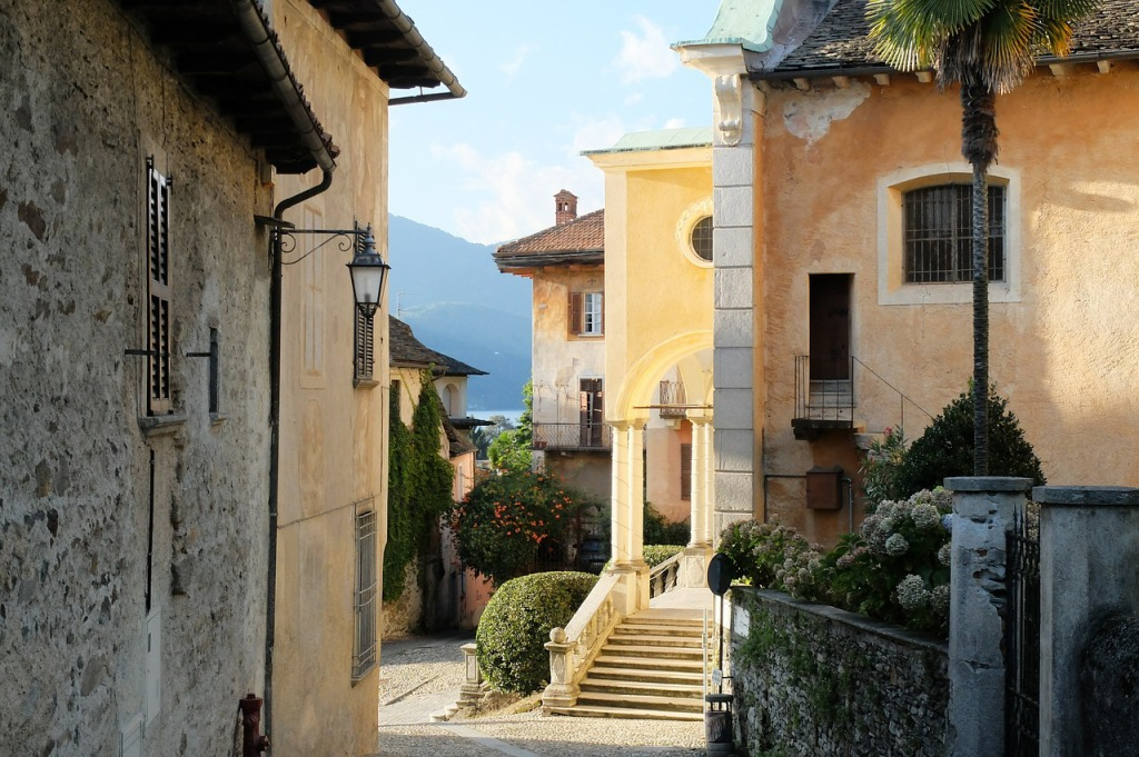 old-town-italy-mediterranean